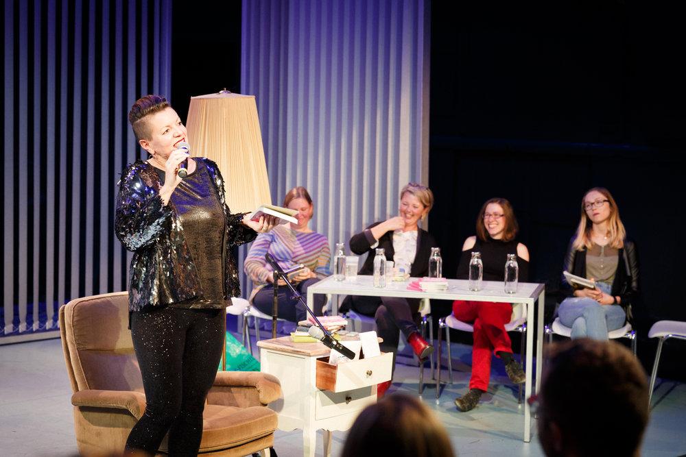 17-11-26 TAGebuch Slam Buchpräsentation_©anna konrath_07.jpg