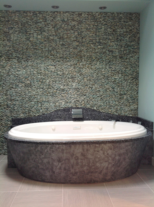 bathroom_tub_pebble.jpg