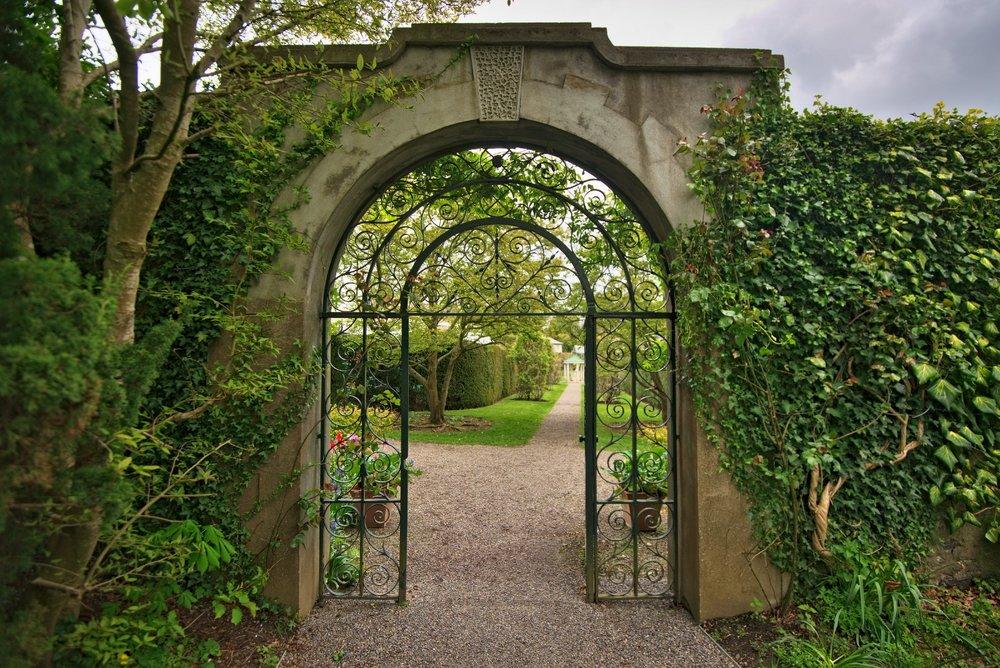 walled garden .jpeg
