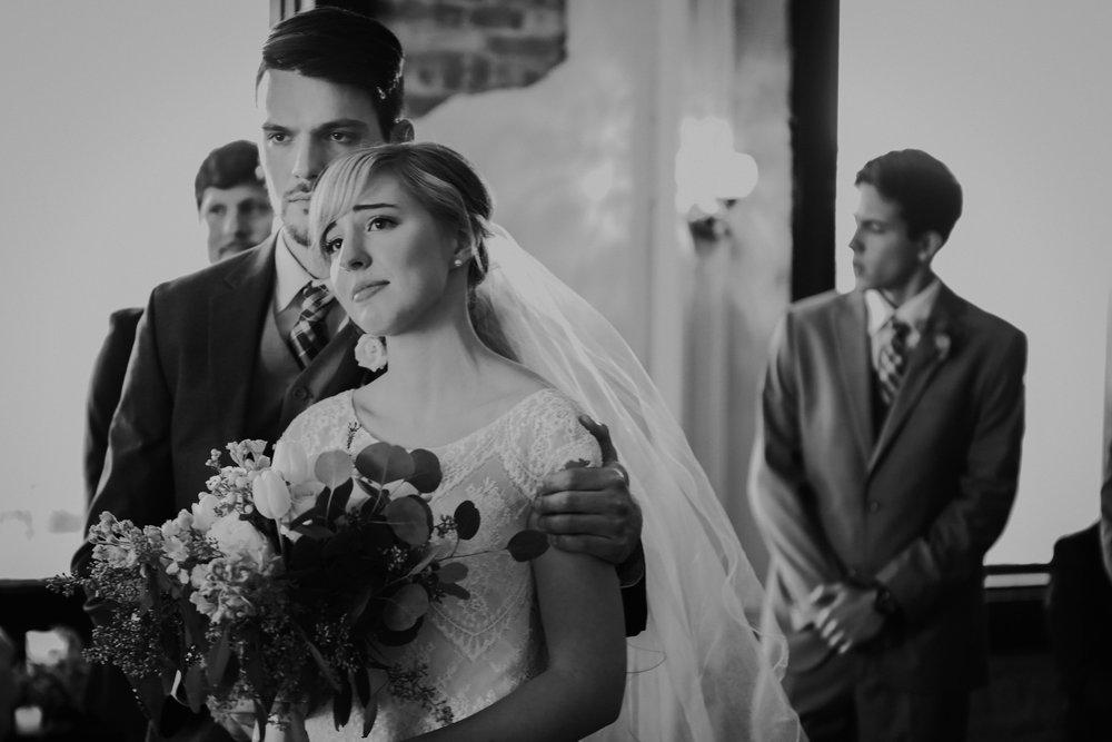 Charis_Lauren_Nashville_Wedding_Photographer_03A0050.jpg