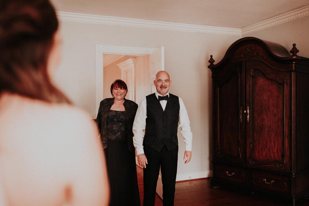 Adam_and_Hannah_Wedding_CharisLauren__4915.jpg