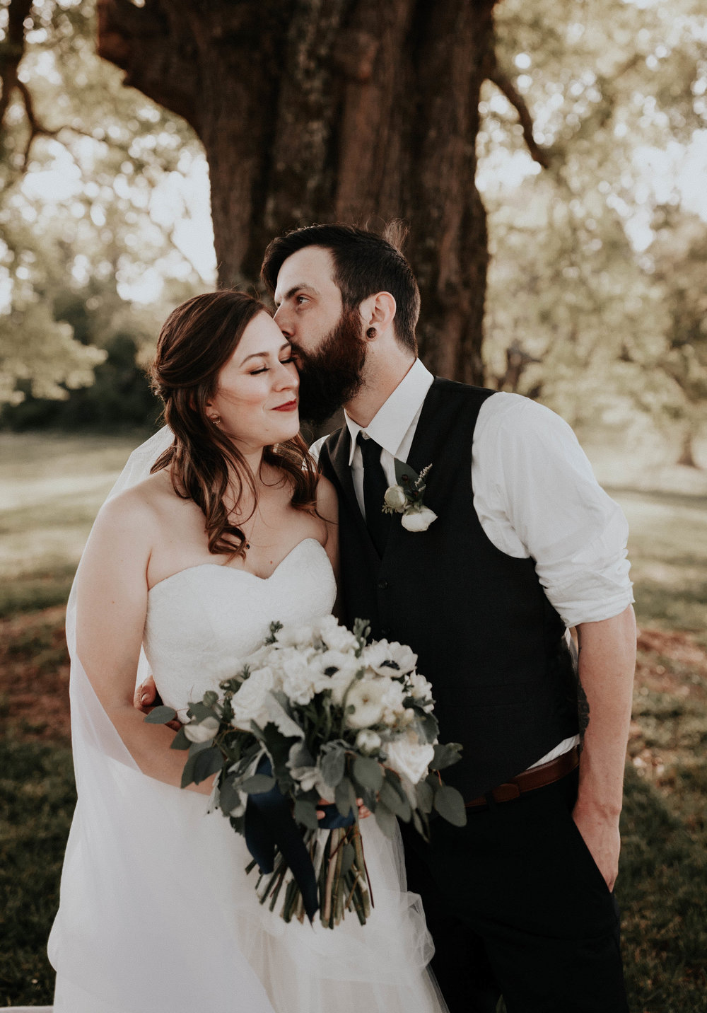 Adam_and_Hannah_Wedding_CharisLauren__5596.jpg