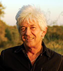 Ian 'Mac' mclagan - Photo by T. Dimenno