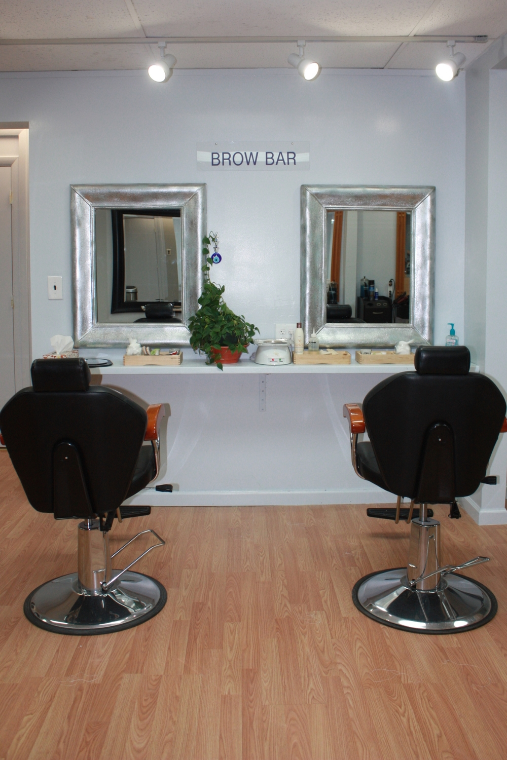 Haven't tried our Eyebrow Threading yet?  Stop in and experience the difference for yourself.  You'll be glad you did!