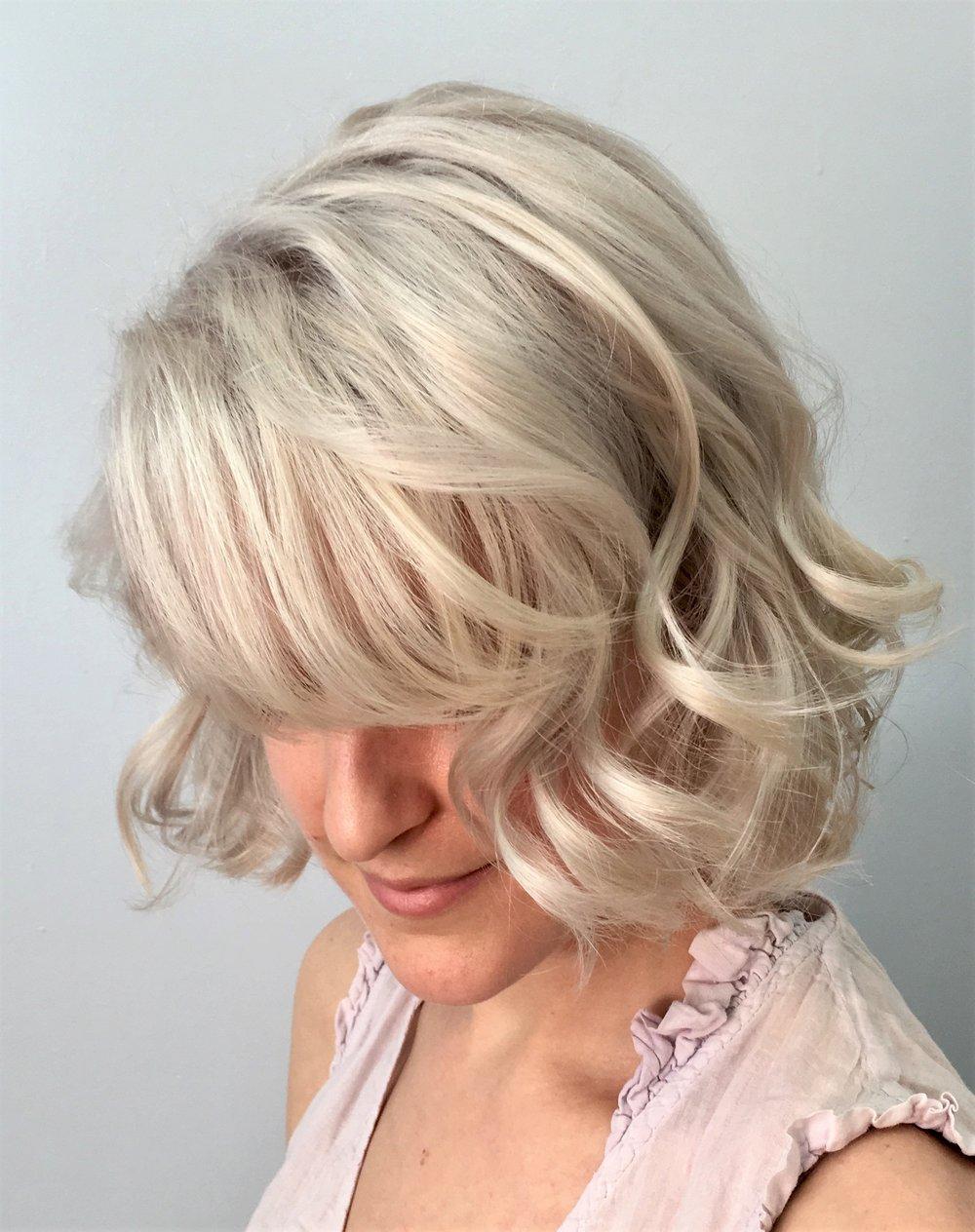 Kylie blonde1.jpg