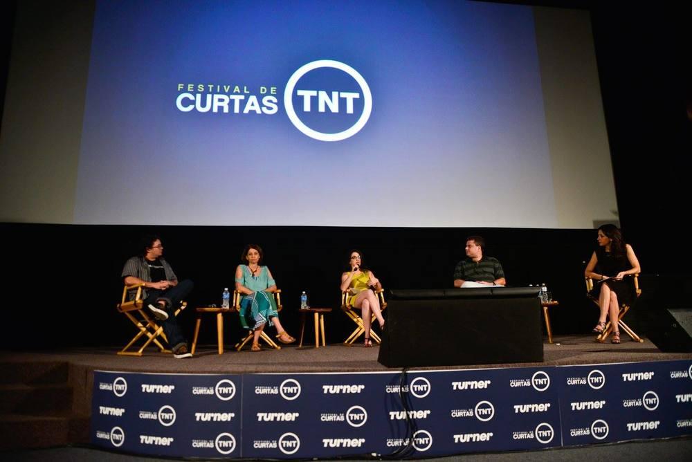 O palco do cinema é perfeito para debates. Foto de Marcia Tavares