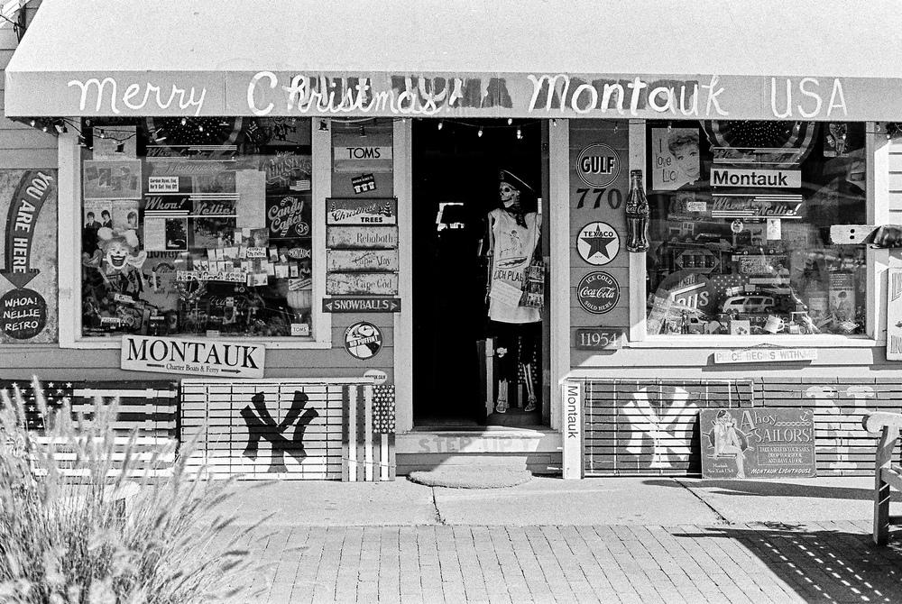 26. mtk xmas shop.jpg