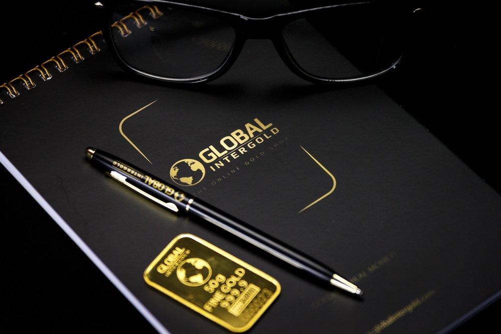 ballpen-company-eyeglasses-346553.jpg