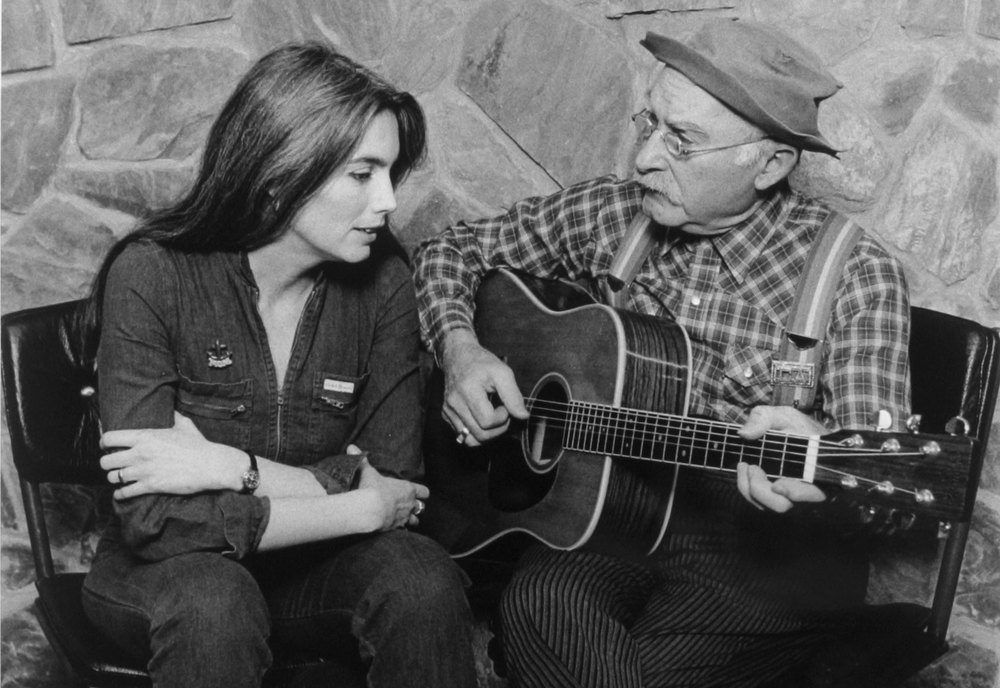 Emmylou-Harris-and-Grandpa-Jones.jpg