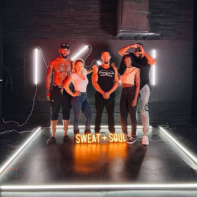Set Life with @sweatandsoulfitness 💪🏾...Ticket link in bio for tickets to SWEAT+SOUL Weekend!