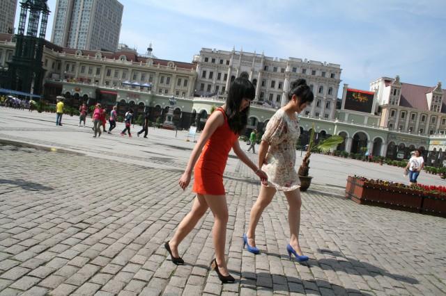 How not to walk on heels