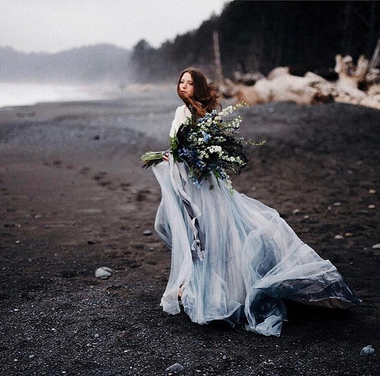 Photo: Cassie Rosch || Model: Noelle Johnson || Florist: Lindsay Helzer