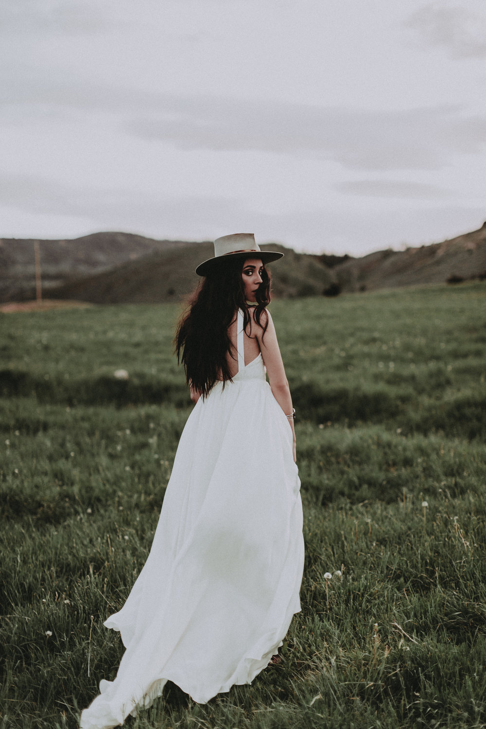 a87fa988863e Austin by Chantel Lauren chiffon silk wedding gown flowy boho western