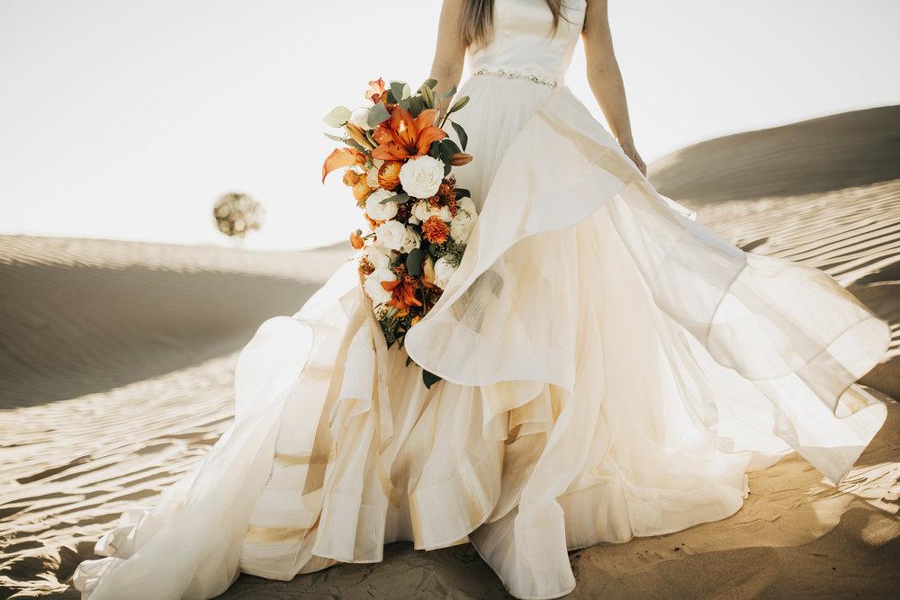 Wedding Dress Desert Jolene Chantel Lauren Ruffle Hand Painted Bouquet