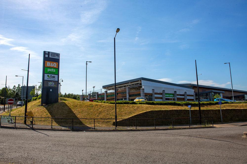 B&Q, Cyfarthafa Retail Park, Merthyr Tydfil (June 2018)