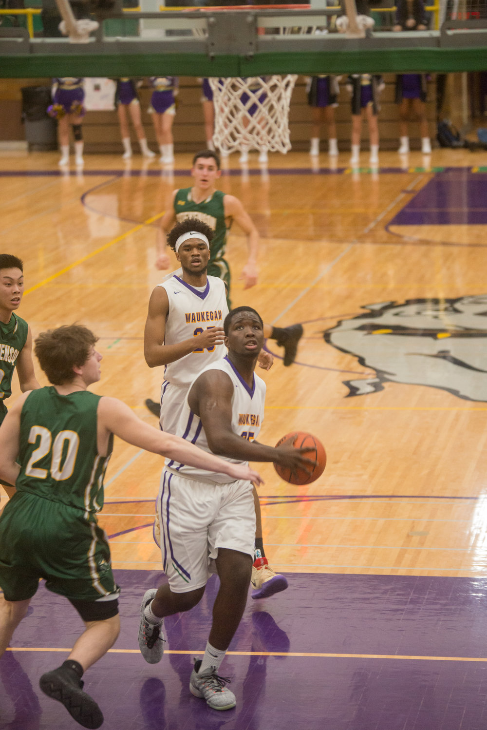 26-Kavon-Colder-drives-down-the-lane-vs-Stevenson.jpg