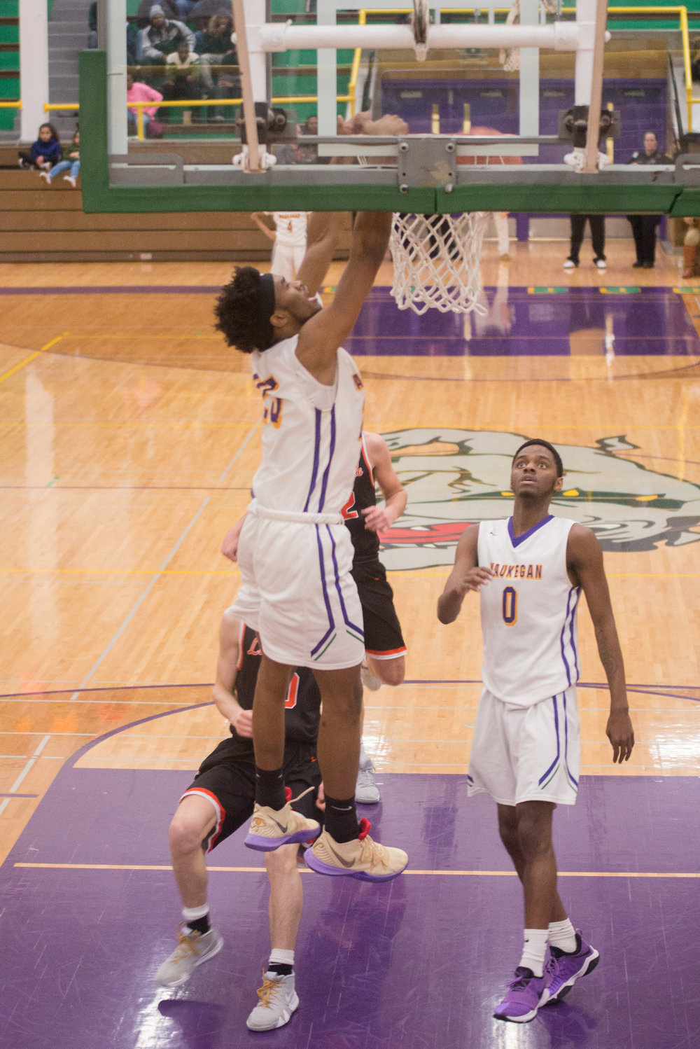 39-Bryant-Brown-dunks-vs-Libertyville.jpg