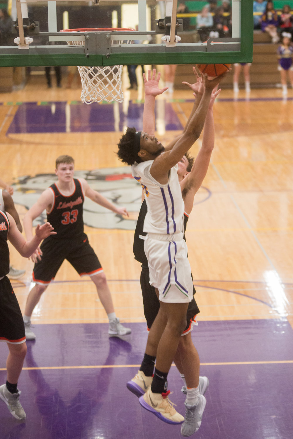 38-Bryant-Brown-shoots-a-reverse-vs-Libertyville.jpg