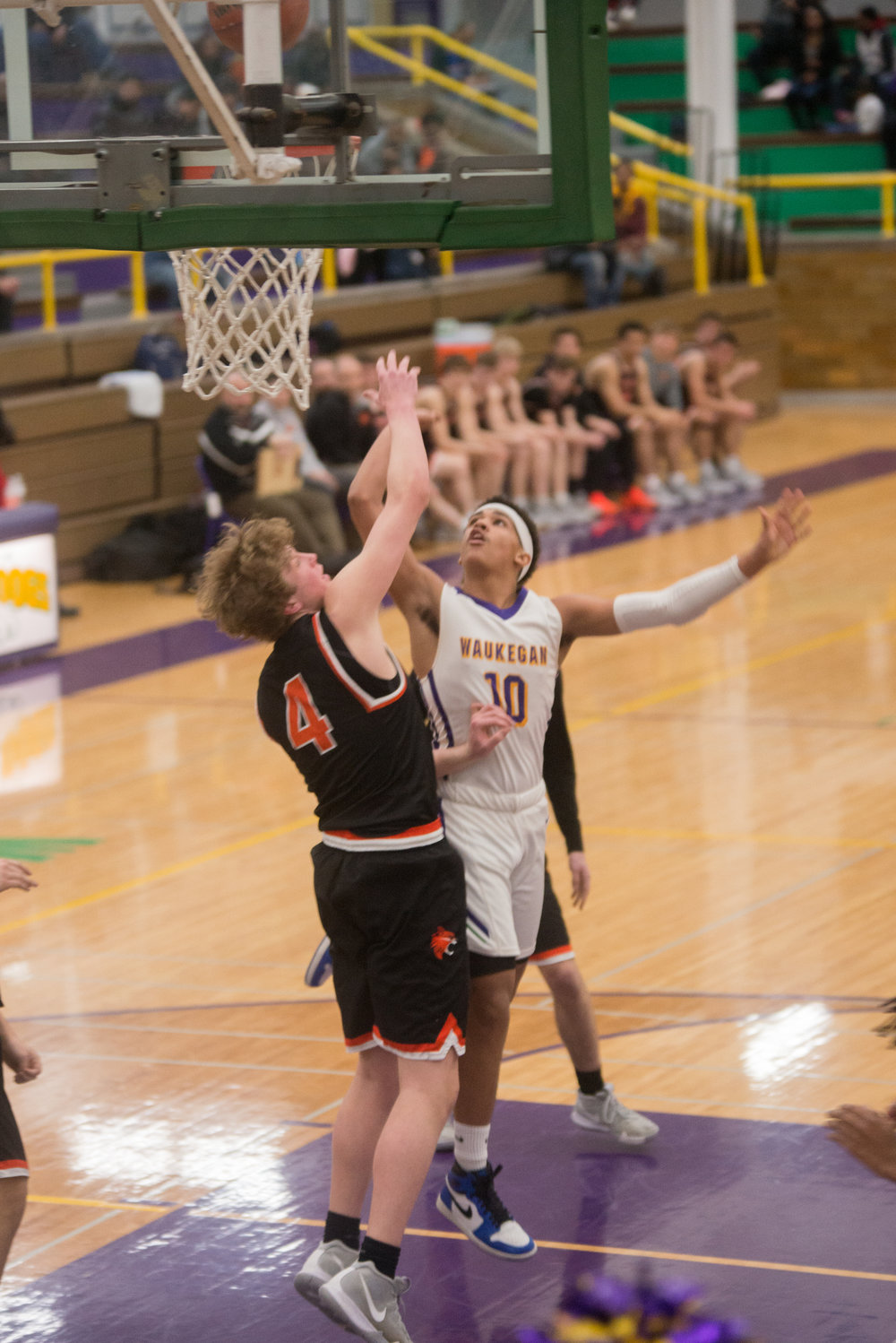 40-Ryan-Edingburg-puts-up-a-shot-in-the-paint-vs-Liberyville.jpg