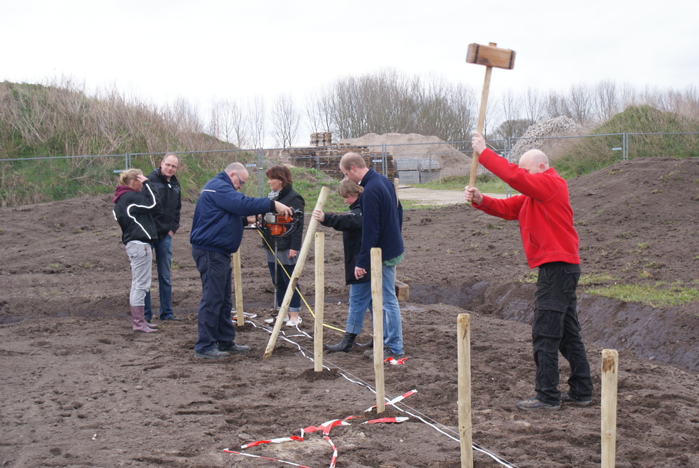 moestuin eerste paal 31 maart 2012 035.JPG