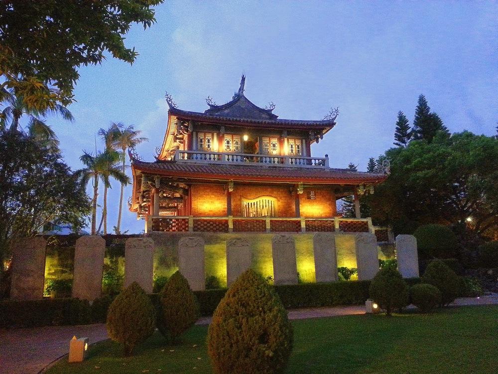 Taiwan%2BTainan%2BRed%2BHouse%2BTravel1.jpg
