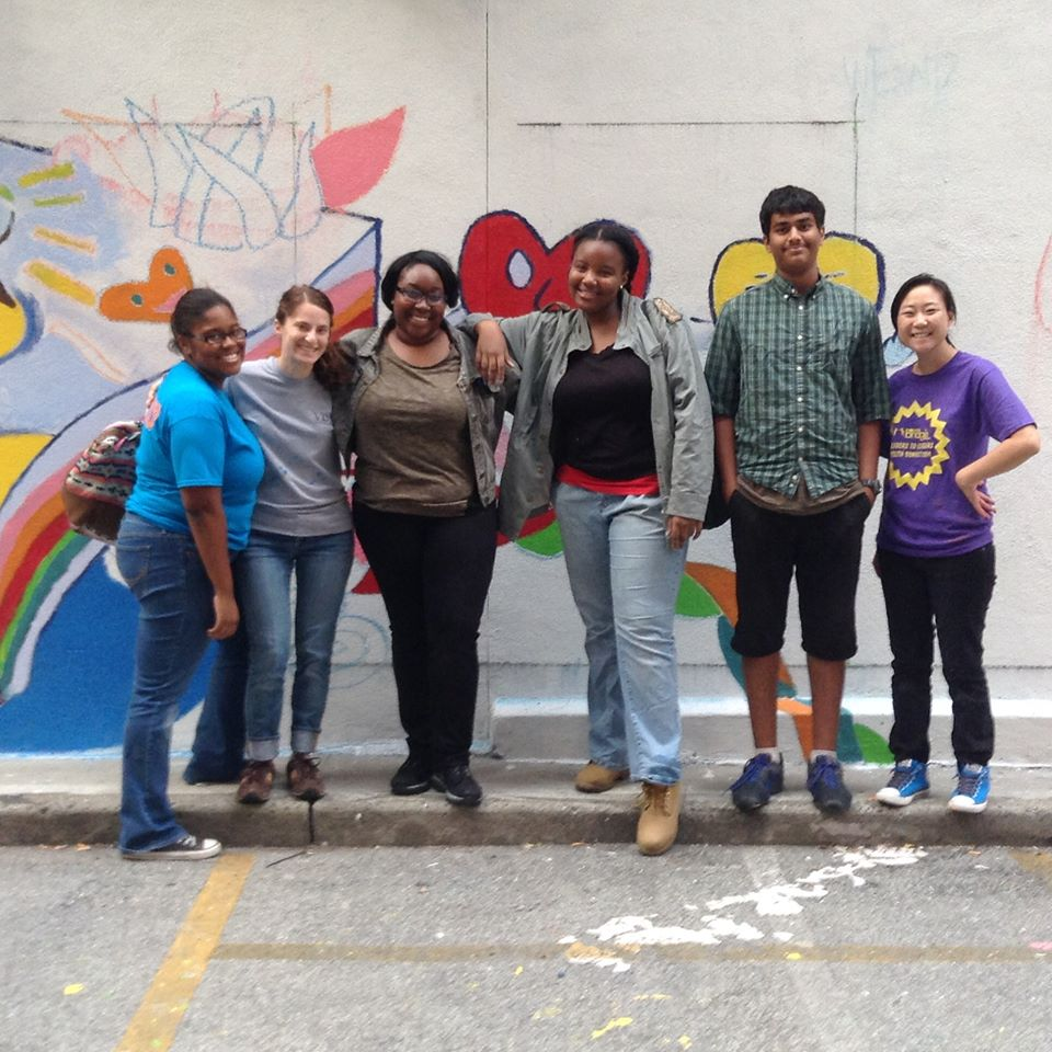 YouthBridge-NY volunteers at the CITYarts mural in Manhattan on September 29. From left: Alexus Knight, Lianna Brenner (staff), Camille Smalling, Banelle Mana, Anish Gosala, Karen Lander (staff). Not pictured: Darren Lin.