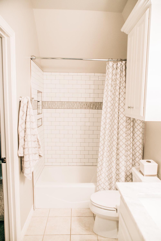 Bathroom Remodel 322.jpg