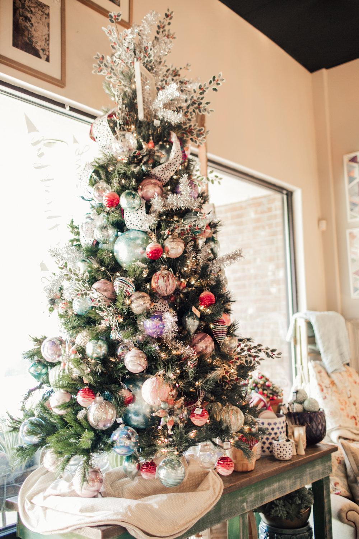 HolidayStore-8.jpg