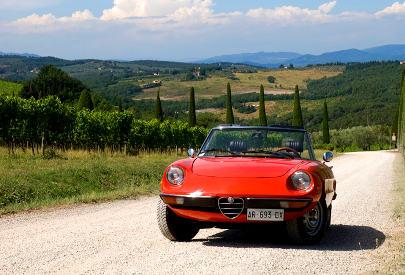 Alfa Romeo Duetto in Tuscany