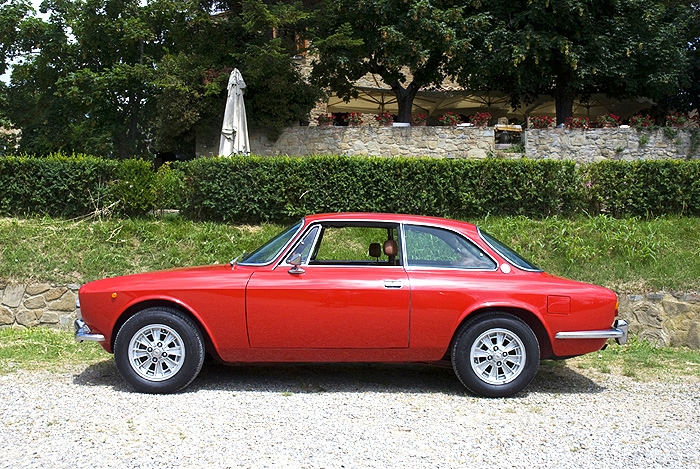 Alfa-Romeo-Giulia-2.jpg