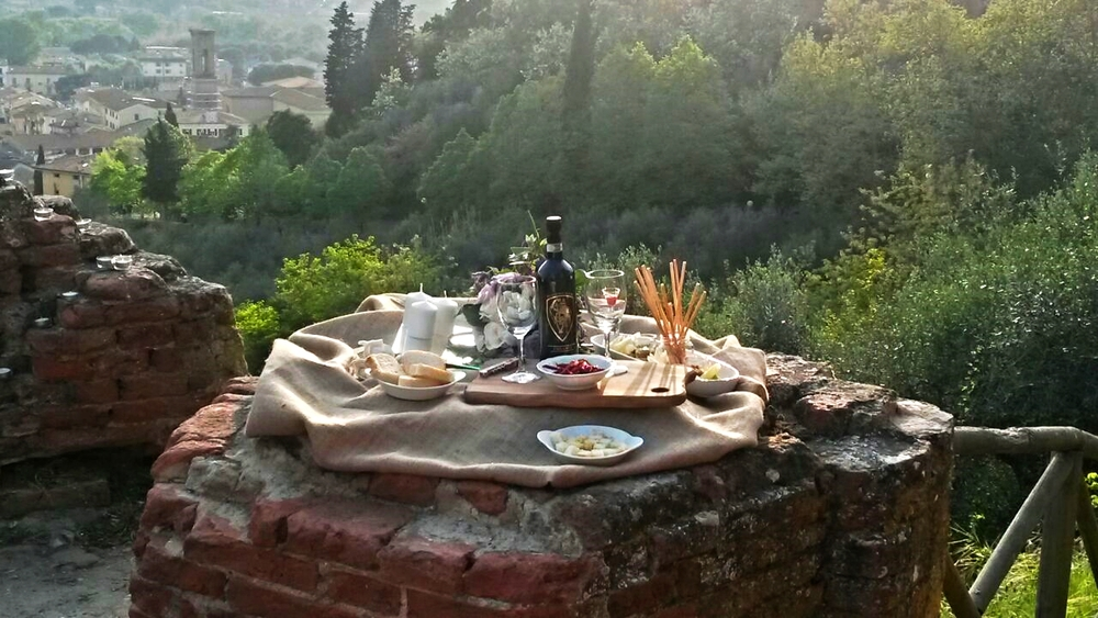 Romantic-aperitif-secret.Tuscany.jpg