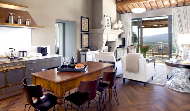 2-bedroom-Villa-Luxury-holiday-Tuscany.jpg