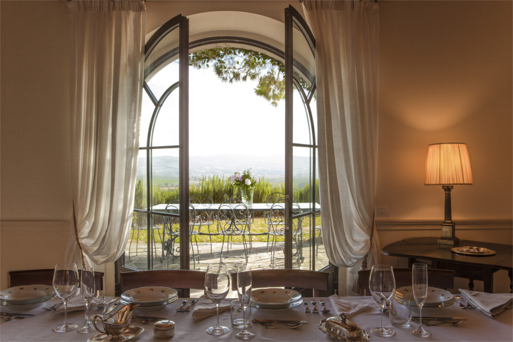 5-bedroom-luxury-villa-Tuscany.jpg