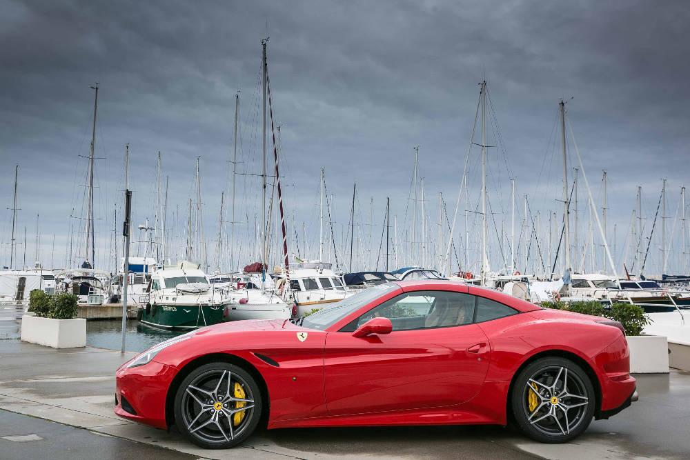Ferrari_California_18_SC.jpg