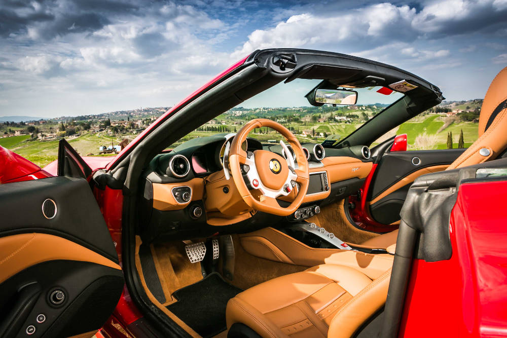 Ferrari-California-luxury-car-for-rent-Tuscany.jpg