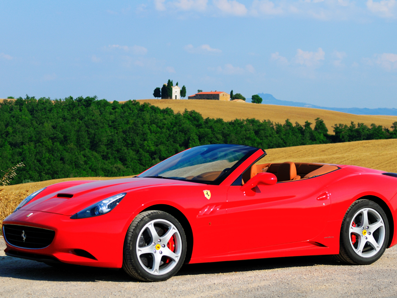 Ferrari-California-tour-in Tuscany.jpg