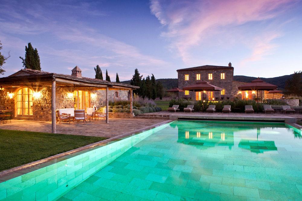 Luxury-villa-Tuscany.jpg