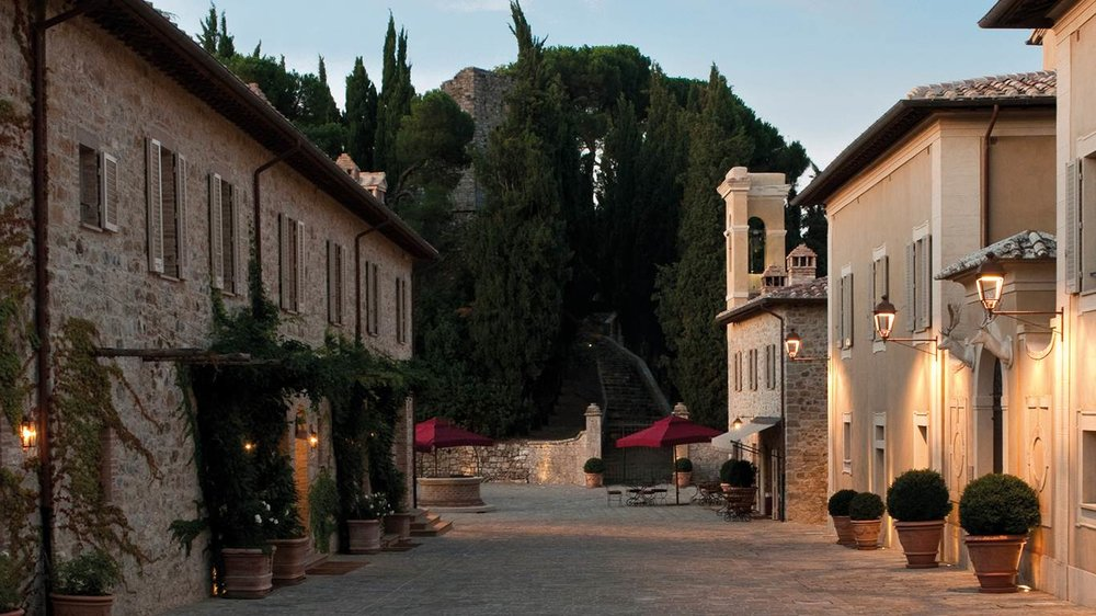 Luxury estate near Montalcino