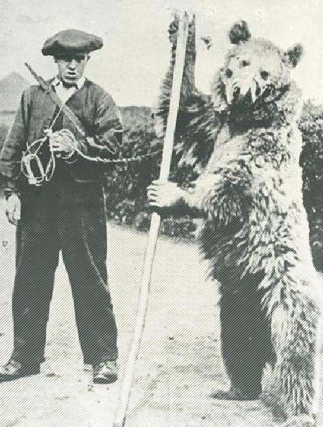 A Dancing Bear…old school