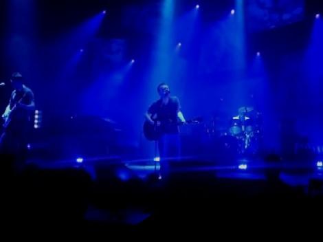 800px-radiohead_blackpool_thom_yorke_guitar.jpg