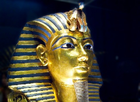 egypt_golden_funerary_mask_of_tutankhamun_st.jpg