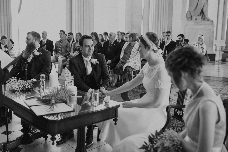 a+b+cityhall_anglers_rest_dublin_city_wedding_preview_048.jpg