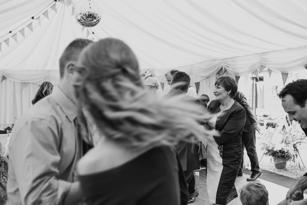 e+t_ballilogue_kilkenny_wedding_photographer_liviafigueiredo_239.JPG