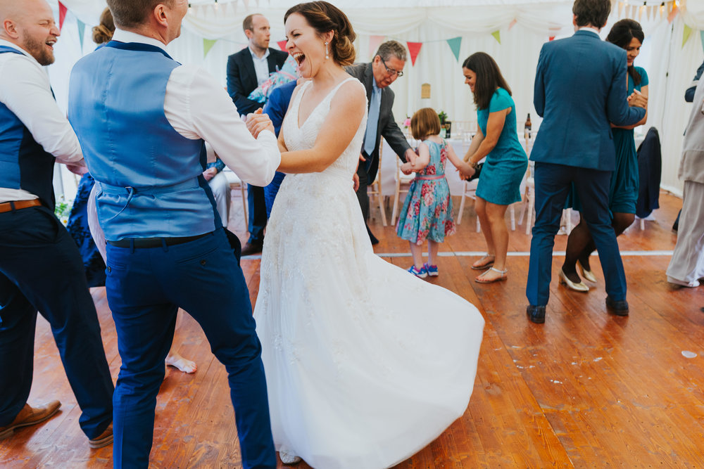 e+t_ballilogue_kilkenny_wedding_photographer_liviafigueiredo_246.JPG