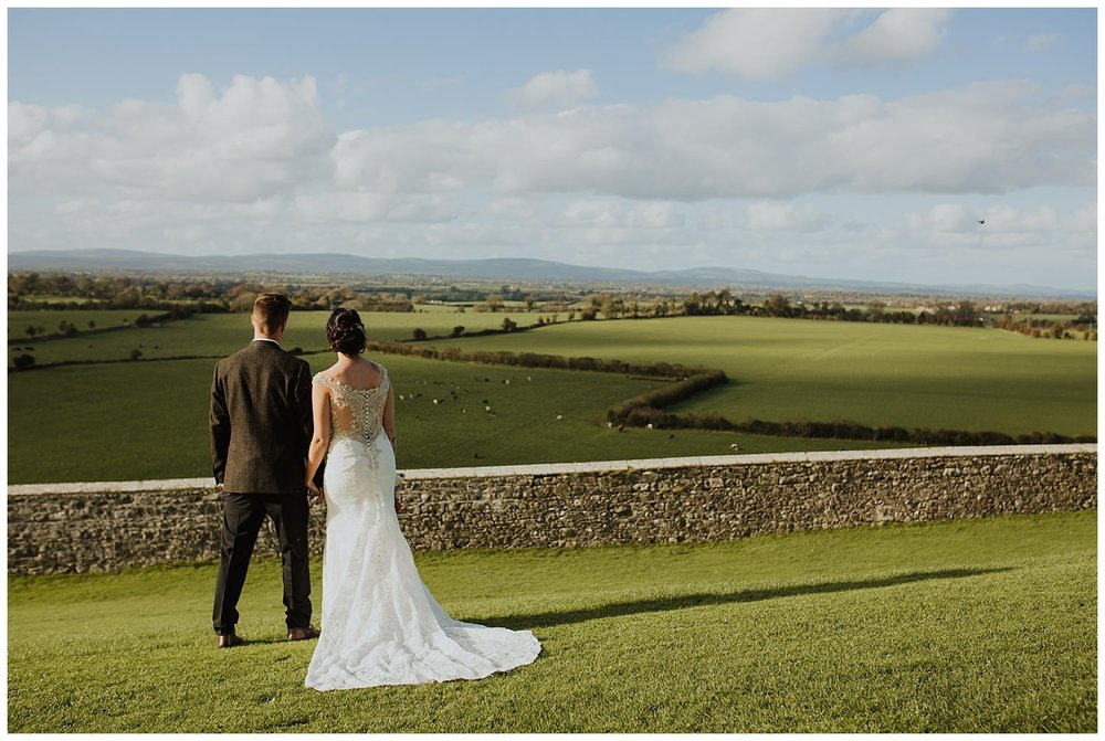 L&K_rock_of_cashel_cahir_castle_ireland_elopement_wedding_photographer_405.jpg
