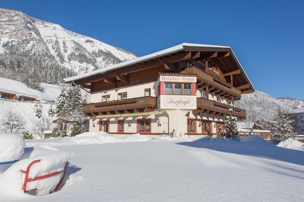 Wirtshaus Pension Dorfcafe . Salzburger Land . Urlaub in Unken