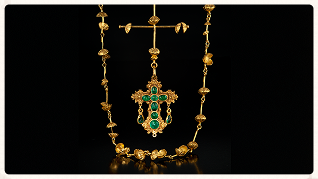 This 22K yellow gold and emerald cross represents the most prized of all artifacts from the Nuestra Señora de Atocha shipwreck. From The Gemological Institute of America.
