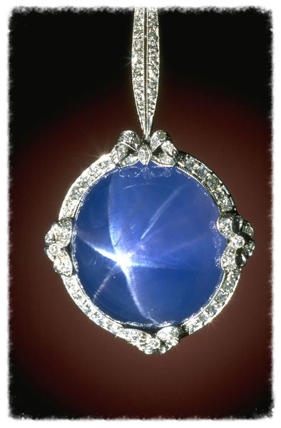 This Art Deco-style necklace features a 60-carat sky blue star sapphire from Sri Lanka. Image from the Smithsonian Institution NMNH.