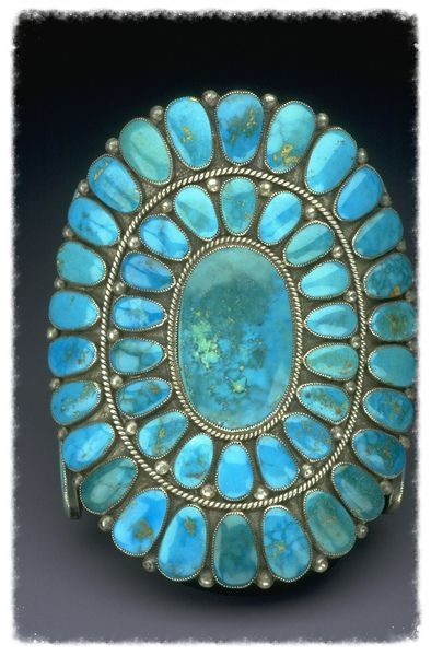 Navajo turquoise bracelet.  Image from the Smithsonian Institution.