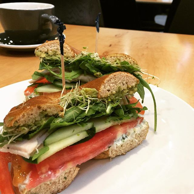 Breakfast noms! @dosenashville #veggies #breakfast #bagel #healthy #nutrition #health #diet